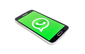 WhatsApp_smartphone